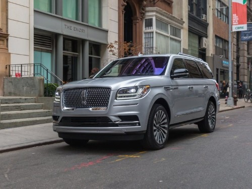 Lincoln says fully electric car is coming, explains Navigator success