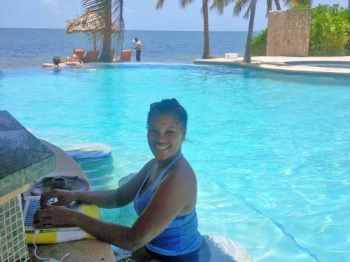 The beginner's guide to living as an expat, according to a woman who lives in Belize on $1,000 a month