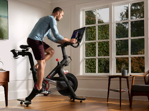 Peloton users complain of '80s music in wake of $300 million lawsuit - Business Insider
