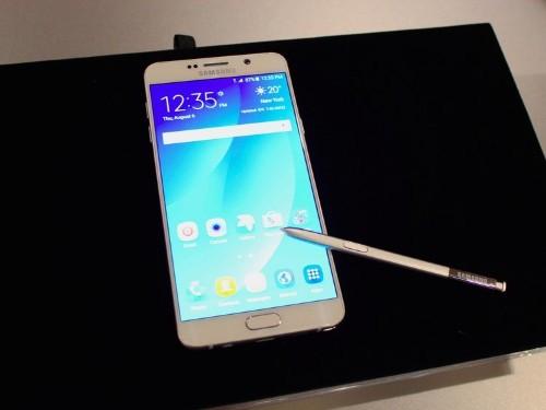 Samsung's new Galaxy Note 5 phone has a big design flaw
