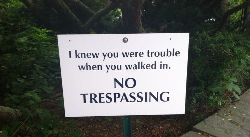 Twitter Is Loving This Security Sign Reportedly Posted Outside Taylor Swift's Home