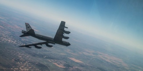 A B-52 bomber just flew with a hypersonic weapon for the first time