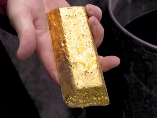 Gold can cost $1,500 per ounce. Here's why it's so expensive. - Business Insider