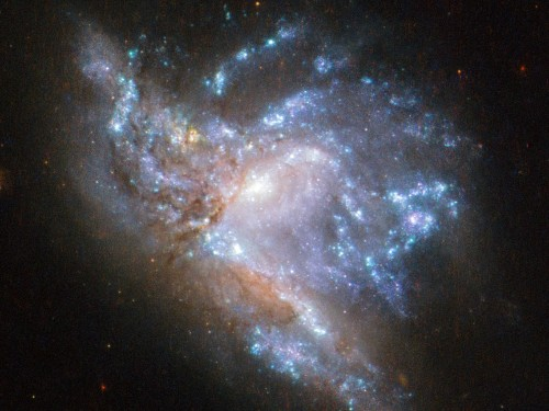 NASA released a stunning photo showing two galaxies colliding - Business Insider
