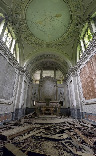 Italy has some of the most beautiful abandoned ruins in the world