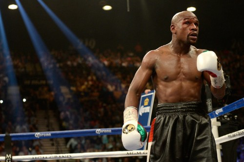 Floyd Mayweather Narrowly Beats Marcos Maidana, Comes The Closest He Has Come To Losing A Fight In Years
