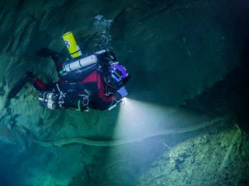 Explorers just reached the bottom of the deepest underwater cave on Earth