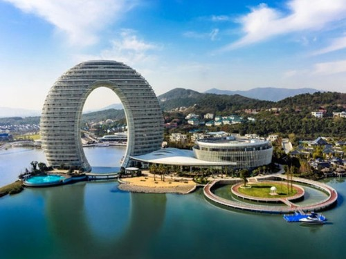 6 hotels around the world with truly unique designs