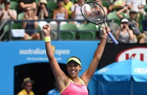 Teenager Keys outshines Venus to make Australian Open semis
