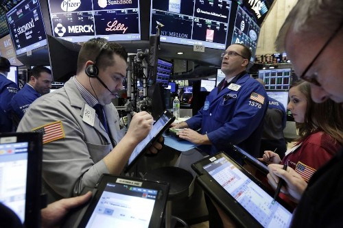 Tech stocks lead US indexes higher on earnings optimism