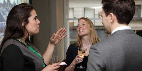 21 Conversation Starters Professionals Can Use To Break The Ice