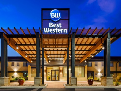 Best Western is using AI to personalize ads, and the results are crushing the industry average