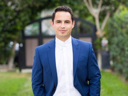This 31-year-old mortgage broker has made millions flipping homes — see the before and after photos