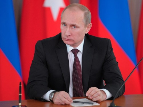 Putin is shifting the fronts of 2 wars