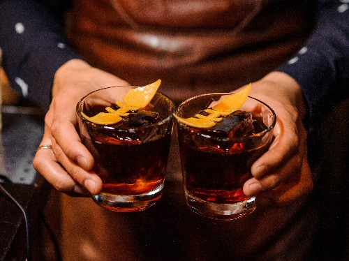 11 spicy, cold-weather cocktails perfect for entertaining - Business Insider