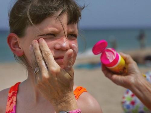 Sunscreen may be killing coral reefs