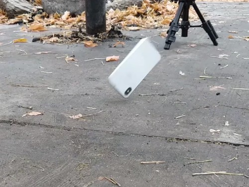 The iPhone X is actually more durable than the iPhone 8 - Business Insider
