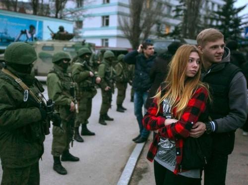 Ukrainian TV Channels Are Being Shut Down In Crimea