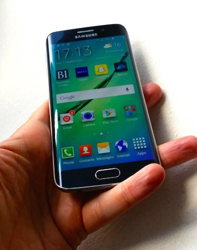 This simple-but-brilliant hardware innovation on the Samsung Galaxy S6 Edge is so good I don't ever want to go back