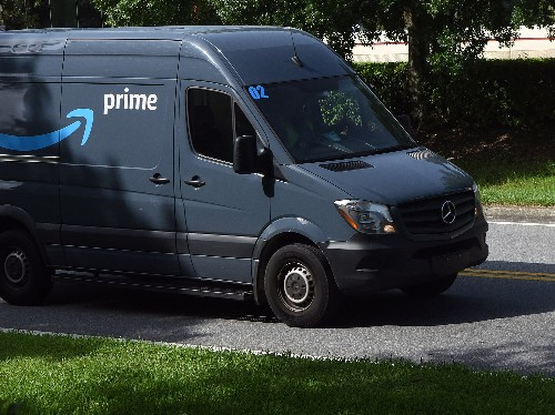 Amazon's delivery contractors announce upward of 2,000 layoffs - Business Insider
