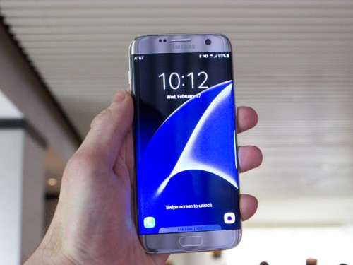 The Galaxy S7 has the best smartphone screen ever tested — and highlights a weakness in the iPhone
