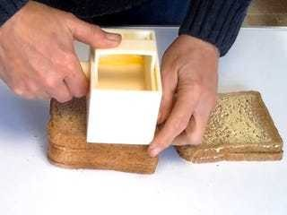 This invention butters bread 5 times faster than a knife - Business Insider