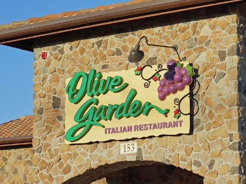 People Hate Olive Garden's New Logo