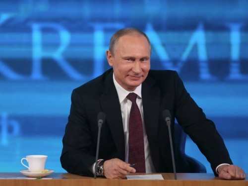 Putin is 'essentially trolling the US' by complimenting Trump, and the Brexit vote explains why