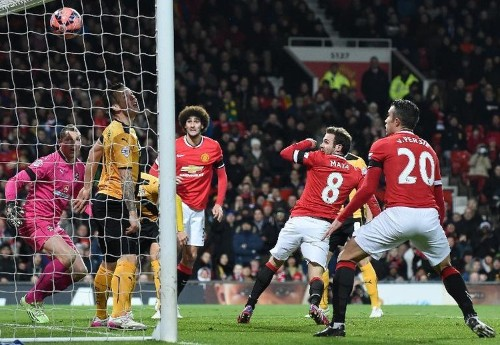 Liverpool, Man Utd face top-four crunch clash