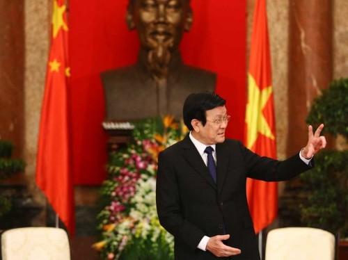 Vietnam Sentences Two Corrupt Bankers To Death