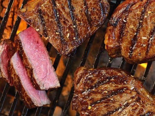 We compared 3 online meat delivery services that send juicy steaks and premium cuts straight to your door — here are the differences