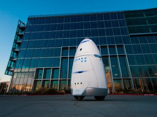 Robotic mall cop injured toddler at Stanford shopping center