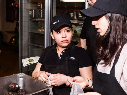 Companies that will help pay for school: Chipotle, Verizon - Business Insider