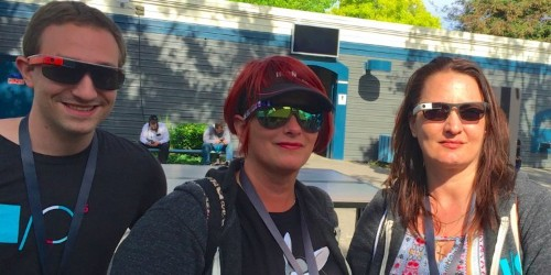 What it's like to be part of the 'rare breed' of people still using Google Glass