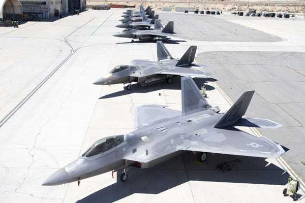 PHOTOS: The last time you'll ever see 7 F-22s at Edwards Air Force Base - Business Insider