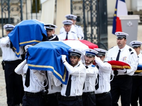 Terrorist attacks have cost Paris nearly $1 billion in tourism revenue