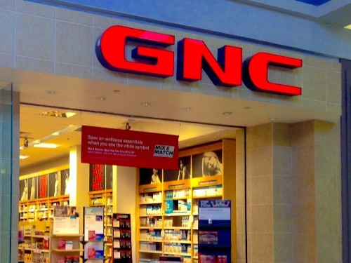 GNC to close up to 900 stores as retail apocalypse continues - Business Insider