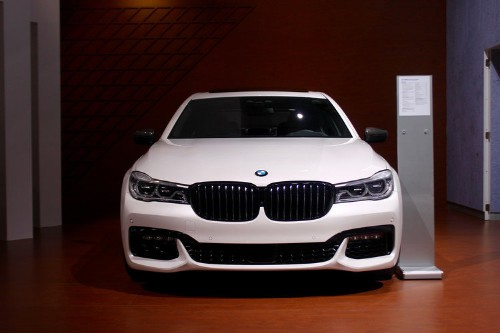 BMW is the big winner in 2015 luxury car sales race