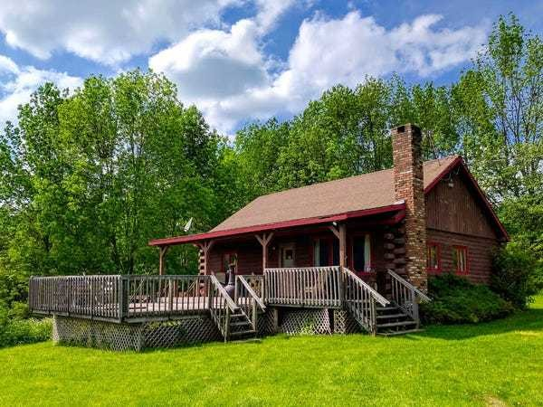 11 rustic Airbnb cabins in the Catskills you can book for under $200 a night - Business Insider