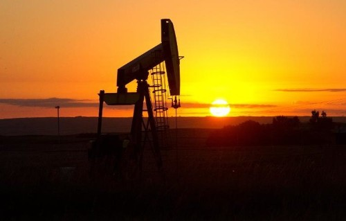 Oil prices strike new lows, weighing on energy stocks