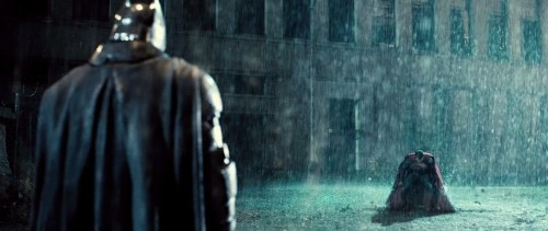 Here's the scene from the 'Batman V Superman' trailer you won't see online or in theaters