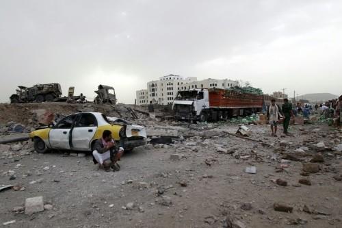 Loyalists retake airport in Yemen's Aden