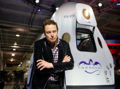Here's how Elon Musk divides his time between 3 businesses