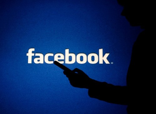How to do a poll on Facebook on desktop or mobile