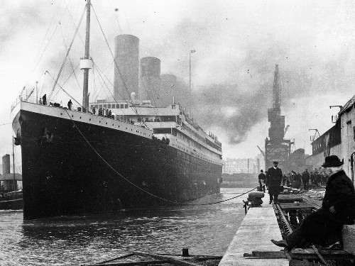 Titanic wreckage is disappearing, photos from a recent dive reveal