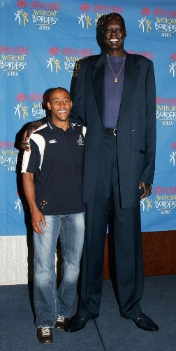 17 Photos That Will Show You How Big NBA Players Really Are