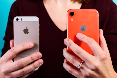 How to delete all of the contacts on your iPhone with a few taps