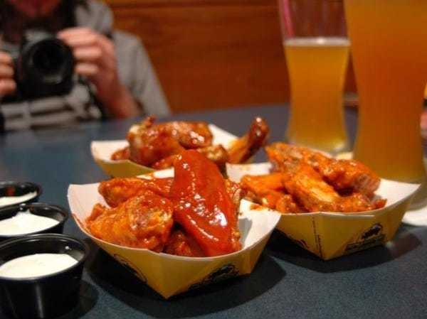 Marcato presentation on Buffalo Wild Wings - Business Insider