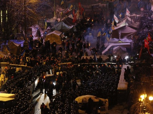 Intense Photos From Kiev Show Ukrainian Riot Police Storming Protest Camp
