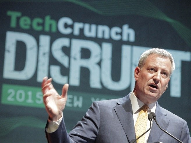 New York City's mayor will require all of the city's public schools to teach computer science